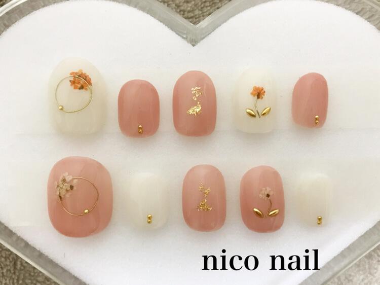 浜松市nico nail・人気のブライダルネイルのご紹介です。